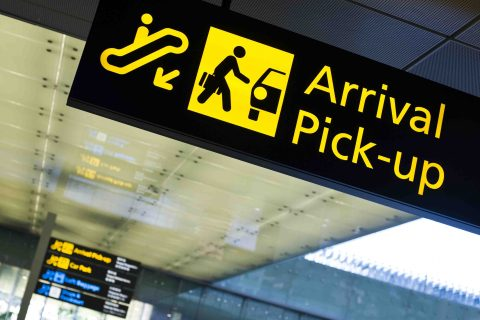 Airport pick-up with LTL - Arrive to your accommodation in comfort